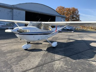 Cessna C 172 XP, 195 PS - 6 Zylinder - fresh annual Inspection +100 h incl. SID
