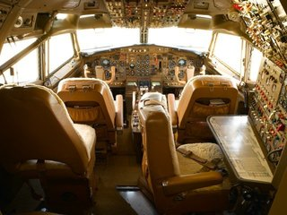 Pic Med on Boeing 727 Model Airplane