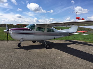 Cessna C-T210L TKS DEEICED, Garmin 430, currently AOG due to SPAR AD
