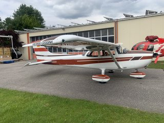 Cessna C F172 N Reims, like new only 2000 h TT, Garmin 530